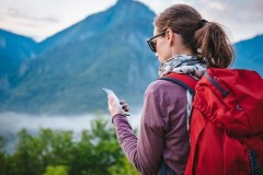 phone-hiking