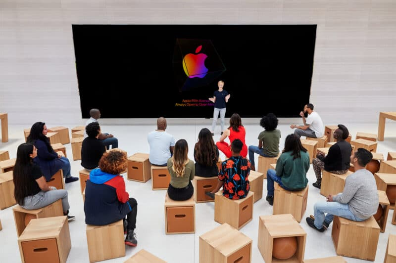 Apple-Store-fifth-avenue-new-york-today-at-apple-setup-091919