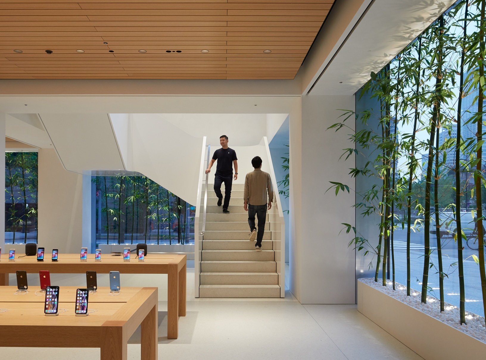 Apple-largest-store-in-Japan-opens-saturday-in-Tokyo-team-members-on-stairs-090419