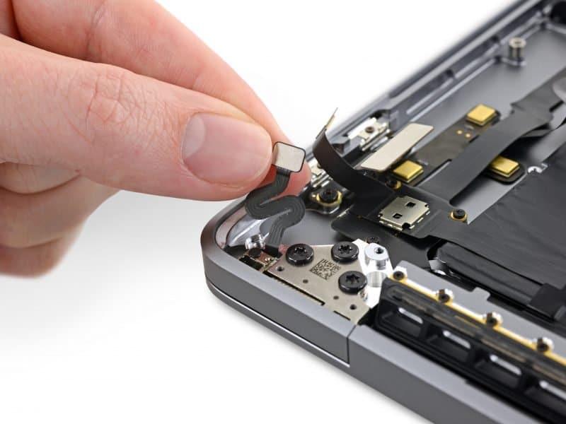 ifixit-16-inch-macbook-pro-lid-angle-sensor-800x600