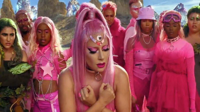 "Lady Gaga ปล่อย Teaser มิวสิกวิดีโอ (MV) ซิงเกิ้ลใหม่ ""Stupid Love"" ที่ถ่ายทำด้วย iPhone 11 #ShotoniPhone"