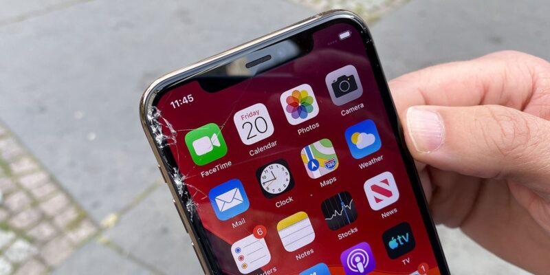 เผยค่าซ่อม iPhone 12 กรณีจอแตก สูงถึง 8,900 บาท !! แพงกว่า iPhone 11 เสียอีก